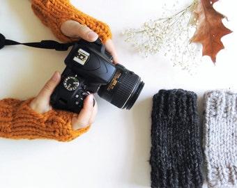 Fingerless Gloves Pattern // Knitting Pattern // Easy Mitten Pattern // Chunky Fingerless Gloves