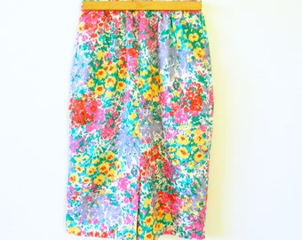 Vintage BrightFloral Skirt / Garden Party Pencil Skirt / High Waisted Floral Skirt
