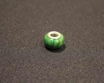 1 x Pearl (LOT ALPHA) Green marbled resin/silver - type pandora