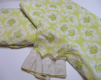 Beautiful JP Stevens Taste-maker Yellow Cameo Roses Sheet Set