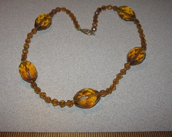 Old Glass Bead Necklace Vintage Costume Jewelry #5286