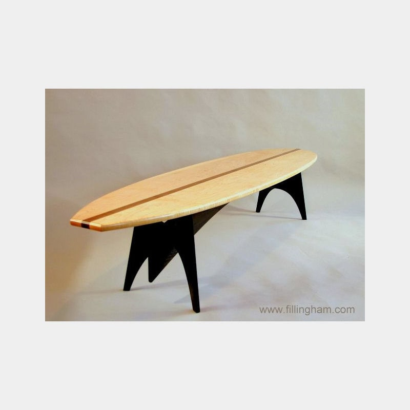 Incroyable Surfboard Table