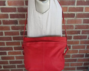 Lipstick Red Leather Bag 1980s Crossbody Satchel Purse Tote Handbag 80s New Wave Slouch Bag Multi Compartment Organizer Vintage