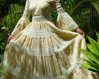 GORGEOUS 60s 70s XS-M Boho hippie ethnic Romantic Mexican folk crochet cut-out lace pintuck tan cotton bell sleeve tiered wedding maxi dress