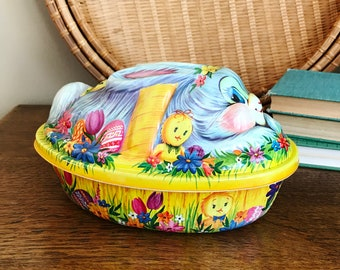 Vintage Molded Plastic Easter Bunny Container, Vintage Figurine, Molded Rabbit Chick, Egg Container, Candy Container, Easter Decor