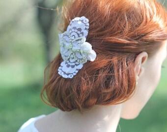 Bridal Comb, Vintage Lace Comb, Bridal Lace Applique Headpiece, Lace Hair Comb, Lace Headpiece, Vintage Lace Headpiece, Rhinestone Hair Comb
