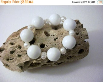 ON SALE Retro HB Heavier White Chunky Glass Beads Faux Pearls Stretch Bracelet 82116