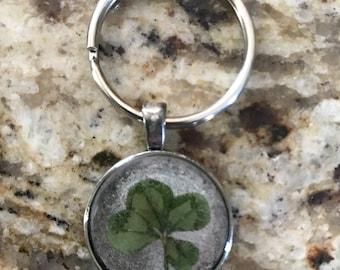 Four leaf clover keychain 041