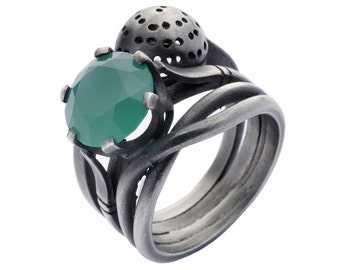 Trio Chrysoprase. Trio oxidized silver ring with Chrysoprase stone.