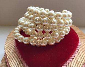 Vintage Faux-pearl Memory-wire Bracelet