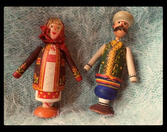 Vintage Dolls Georgian Couple in Folk Clothes