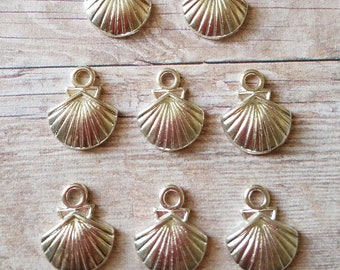 8 Pieces- Seashell Charms