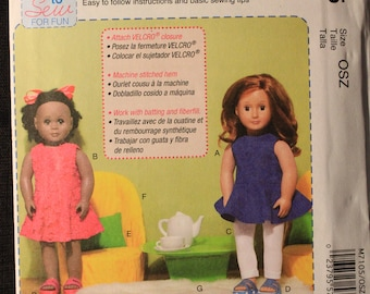 McCalls 7105   18 in Doll Clothes, Chairs, Pillows and Table