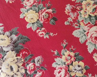 Beautiful French Vintage Fabric, 1940s French Fabric, French Floral Fabric, 1940s Red Florals, Floral Print Vintage Fabric, French Florals