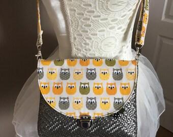 Child bag carried shoulder owls pattern
