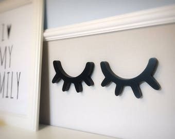 Sleepy Eyes Wall Decoration Wooden Eyelashes