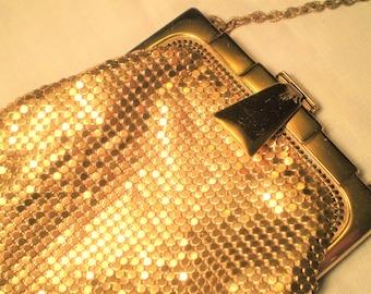 Vintage GOLD MESH PURSE Signed Whiting & Davis Art Deco Flapper Purse Chain Handle Evening Bag Gatsby Era Handbag Good Condition Lined