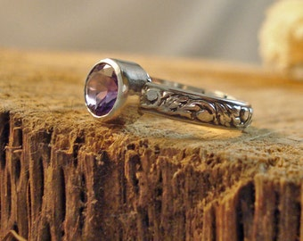 Sterling Silver Amethyst Bezel Ring with Leaf Pattern Multiple sizes