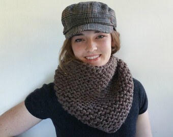 Super Thick and Chunky Cowl. Outlander Inspired. Brown Handknit Neckwarmer.