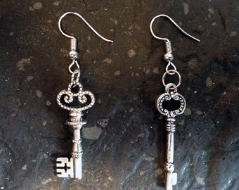 Steampunk earrings with beautiful old keys in silver-used optics