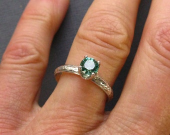 6mm lab-created faceted emerald and sterling silver stacking ring with patterned band, Size 6.5, artisan stacking ring