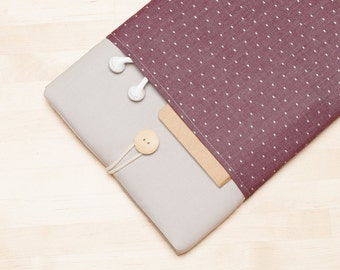Laptop sleeve , 13 inch Macbook sleeve / Macbook pro 13 case / padded with pockets  - Red dots in grey -