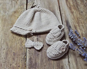 Newborn boy or girl hat and booties organic cotton, knitted baby clothes, baby tie