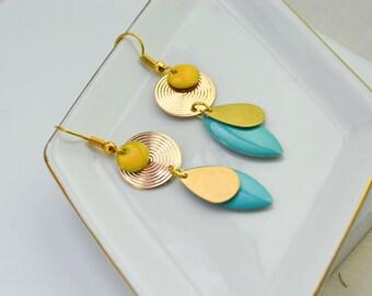 Boucles d'oreille sequins émaillés - boucles d'oreille chevrons - pendantes - colorées - bijoux estivales - printemps - boho