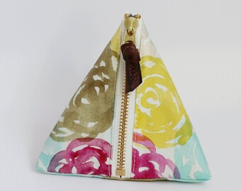 Triangle zipper pouch, Hana