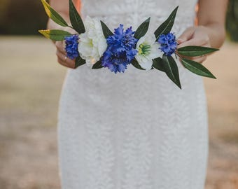 blue and cream flower crown // blue cornflower flower crown / blue white flower crown / wedding flower crown / blue flower crown / headpiece
