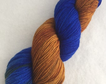 Ravenclaw // Blue and Bronze Softly-striping yarn