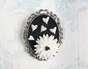 Kanzashi Floral Brooch - White Chrysanthemum / Kiku and hearts