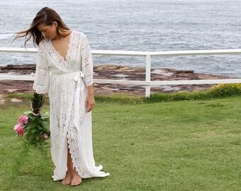 Lace Bridal Robe // Bridesmaid Robes // Robe // Bridal Robe // Bride Robe // Bridal Party Robes // Bridesmaid Gifts // Satin Robe