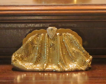Dads Grads Sale Whiting and Davis Gold Tone Mesh Coin Purse Clutch- Made In the United States-VGC