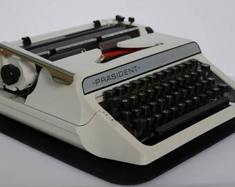 Portable typewriter Praesident