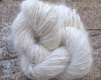 White Rabbit - 13# off - OOAK handspun art yarn 122 yards 62g 100% natural angora fiber