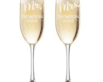Personalized Wedding Flutes,  2 Toasting Flutes, Engraved Wedding Flute,  Mr. Mrs. Toasting Flutes,  Toasting Champagne Flutes