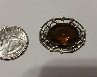 Vintage sterling silver orange stone pin badr