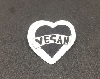 Vegan heart - Brooch badge pin - Shrink film - Vegetarian - Typography - Black and white - Monochrome - Quirky