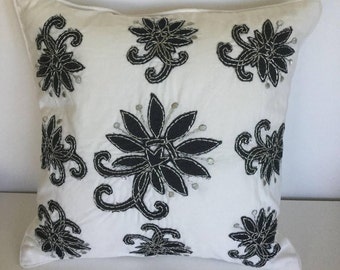 Hand applique decorative pillow