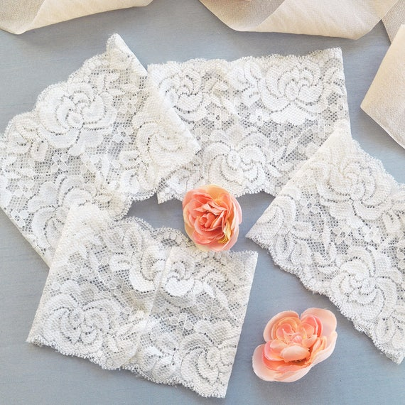 DIY Ivory Lace Belly Bands- Off White Stretch Lace Wrap- Fits over any 5x7 Invitation- Dress up your own Invitation