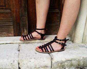 Sandales gladiateur grec à la main en cuir marron foncé