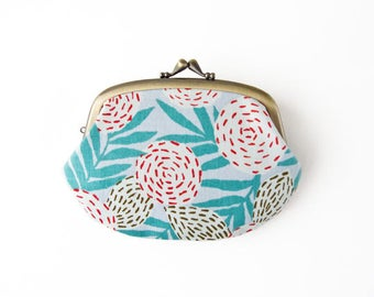 Metal frame compartment purse wallet //  Stitched Flower