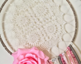 Pink Dreamcatcher, Dreamcatcher, Vintage Dreamcatcher, Boho Dreamcatcher, Doily Dreamcatcher, Feather Wallhanging, Bedroom Decor, Nursery