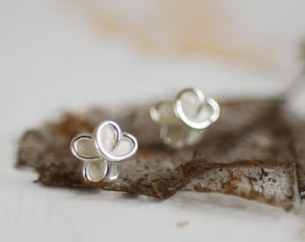 Sterling Snow Cream White Forget Me Not Flower Post Earrings 4th 1st Anniversary Gift Paper Wedding Bridesmaid Boss Coworker Sympathy Gift