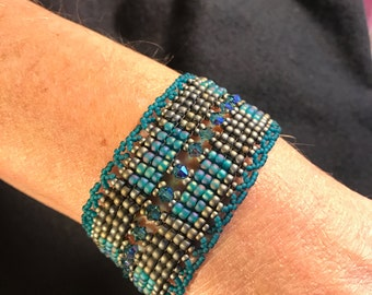 NO 111 Hand Beaded Crystal and Glass Bracelet