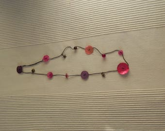 Necklace mother of Pearl buttons and more 7 N