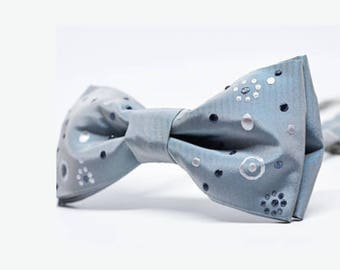 Wedding bow tie for men, silver dotted bow tie prettied, blue bow tie, mens bow tie dotted, personalized gift for man, gift for husband