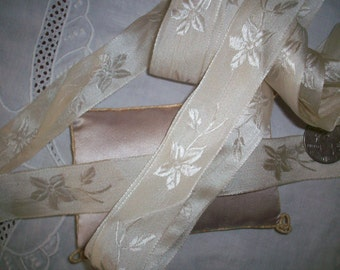 1 yd. Stunning vanilla cream silk antique ribbon in a floral pattern