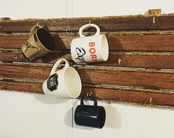 Custom hanging mug holder